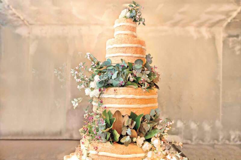Have you Caught on to the Naked Cake Trend?
