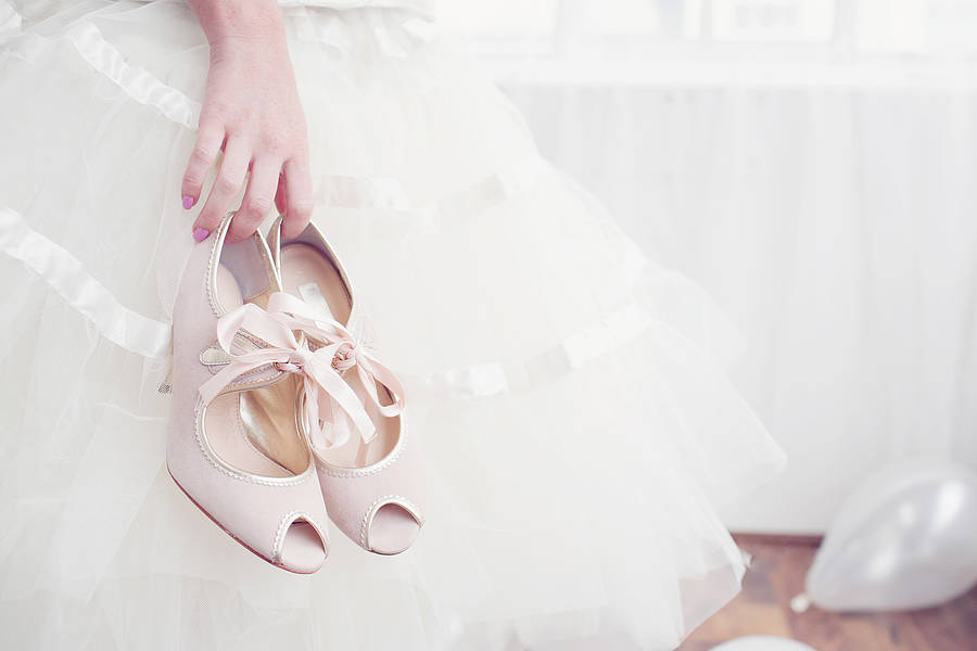 wedding-shoe-vintage